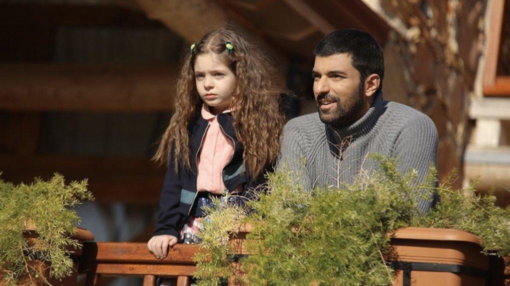 Sefirin Kizi – Episode 2  –                    Nare, pourra-t-elle récupérer sa fille de Sancar ?